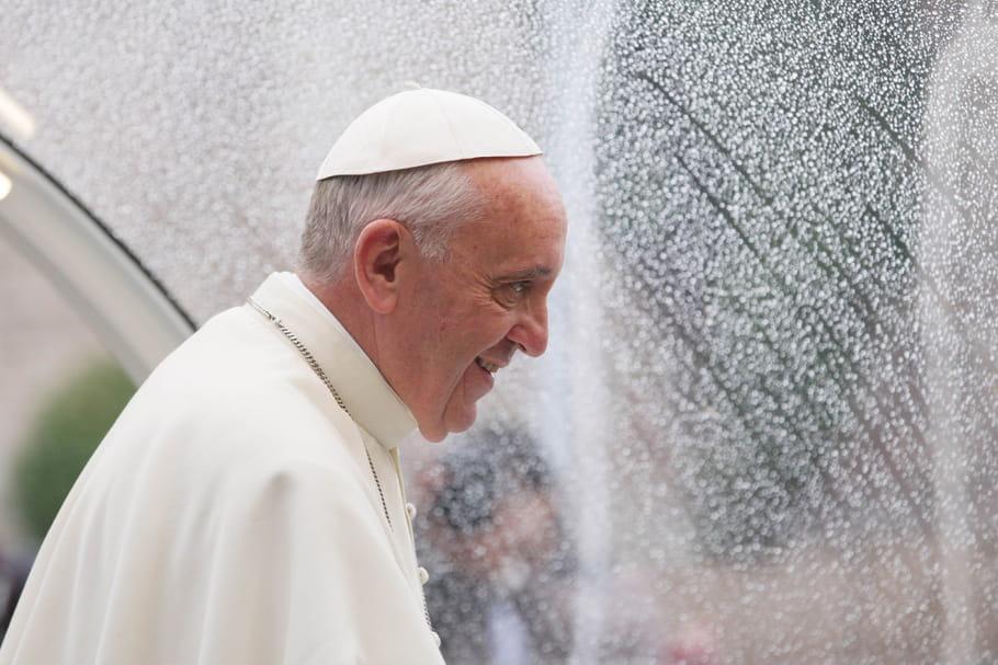 Une femme prêtre? Impossible pour le pape François