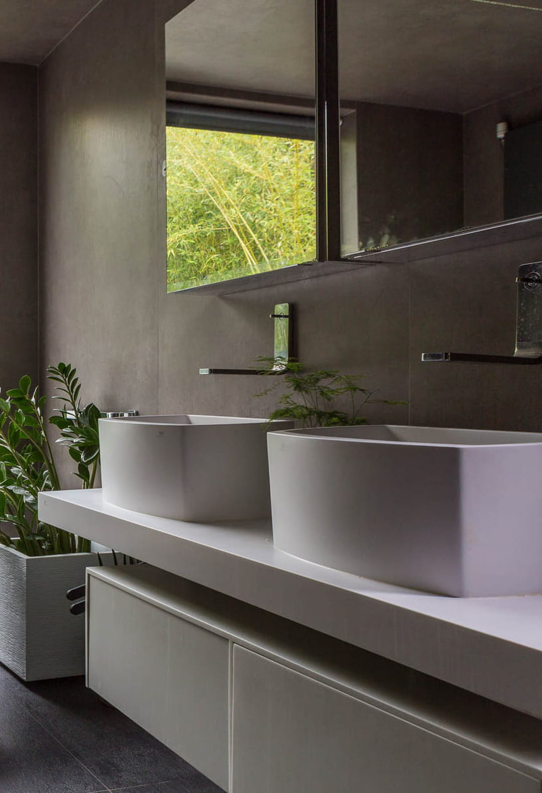 rangement-salle-de-bain-armoire-avec-miroir
