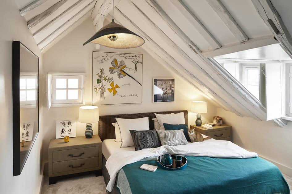 Chambre blanche sous les toits