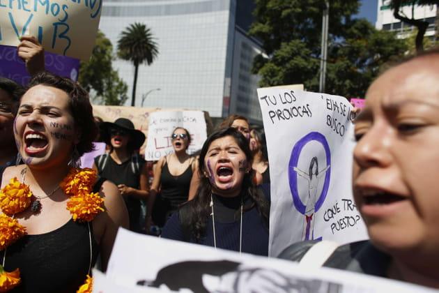Colliers de fleurs et cris du cœur au Mexique