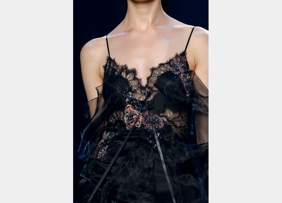 Marchesa (Close Up) - photo 23