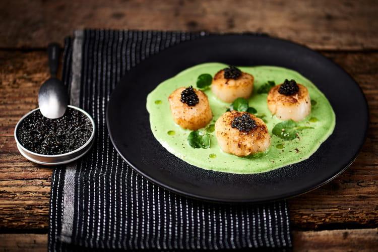 Caviar, noix de Saint-Jacques snackées, émulsion de cresson