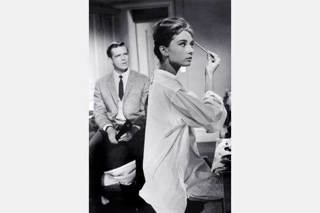 Audrey Hepburn en chemise blanche
