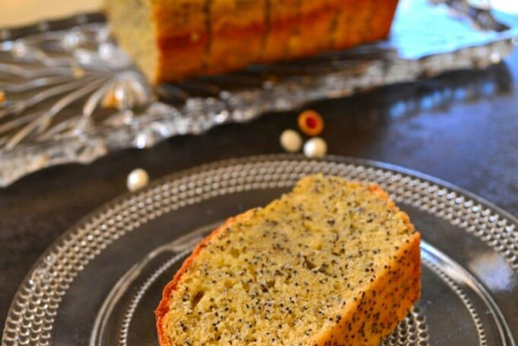 Cake moelleux à l'orange et aux graines de pavot