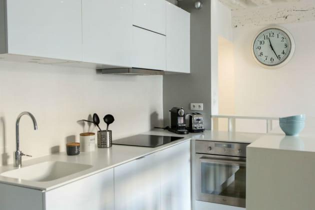 un plan de travail lisse. Black Bedroom Furniture Sets. Home Design Ideas