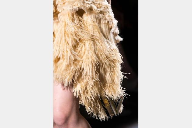 Fendi Couture (Close Up) - photo 24