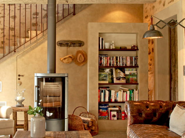 lecture au coin du feu. Black Bedroom Furniture Sets. Home Design Ideas