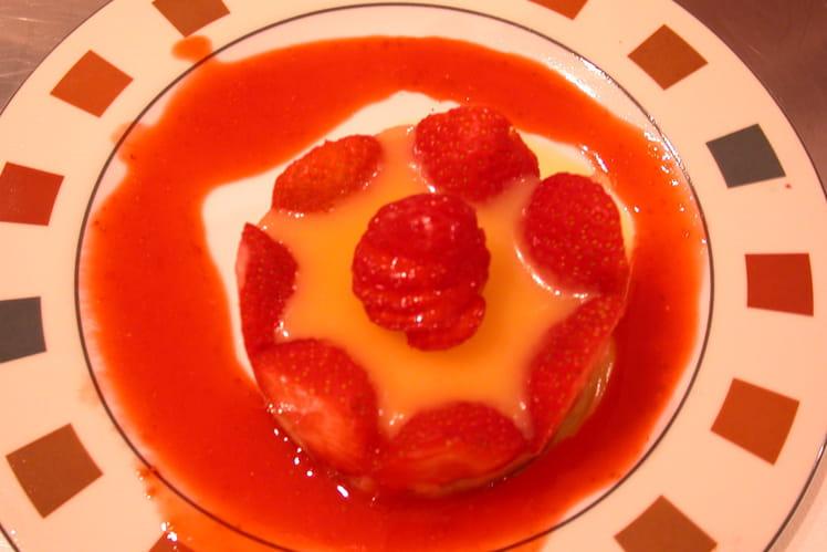 Charlotte aux fraises à la crème de citron parfumée