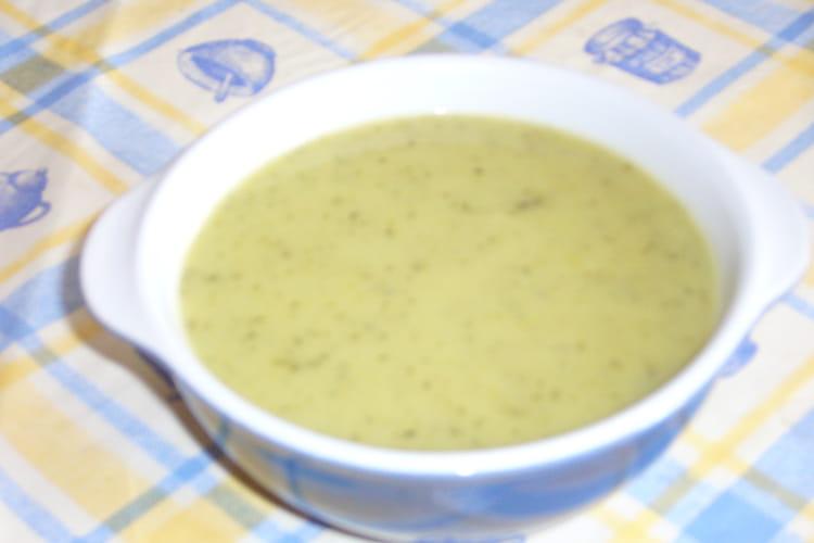 Velouté de courgettes, pommes de terre et fromage