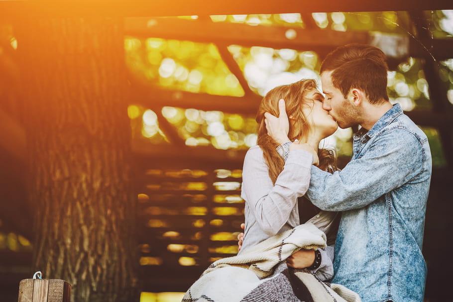 French kiss: comment réussir le baiser le plus érotique?