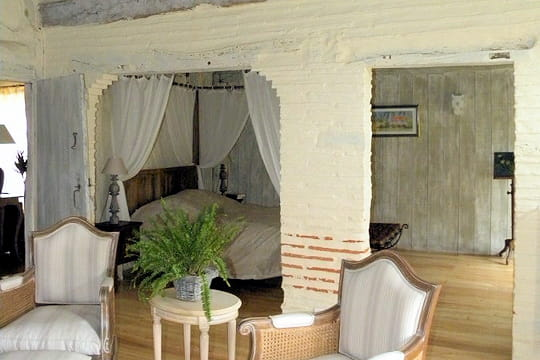 Une chambre avec alcôve
