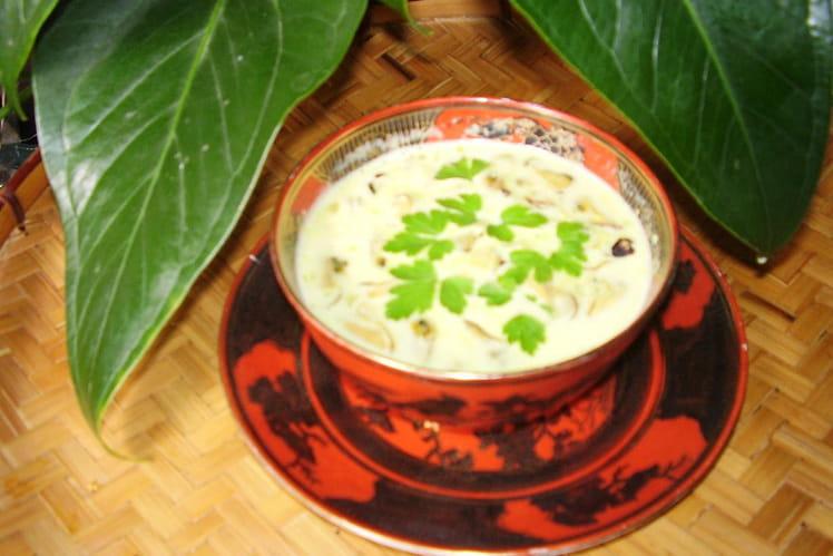 Crème de coco aux moules et au curry
