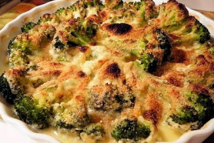 Gratin de brocolis, jambon et sauce béchamel