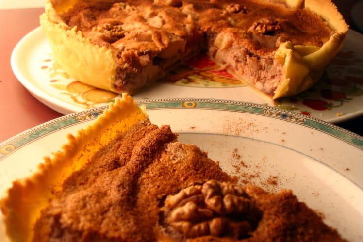 Tarte aux pommes, noix et cassis