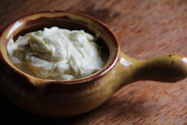 Crème d'ail à la libanaise (toum)
