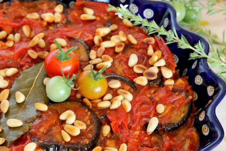 Aubergines grillées et sauce de tomates cerises