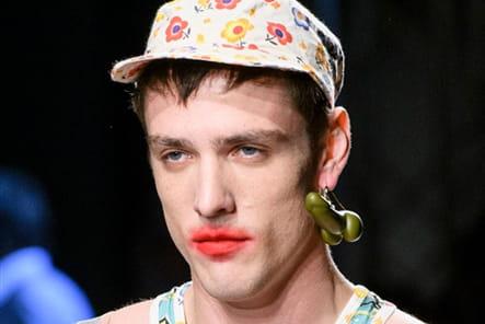 Vivienne Westwood (Close Up) - photo 35