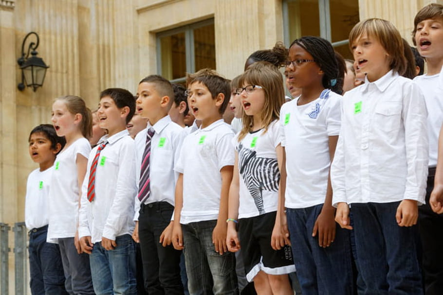 Les élèves accueillis sur de la musique classique