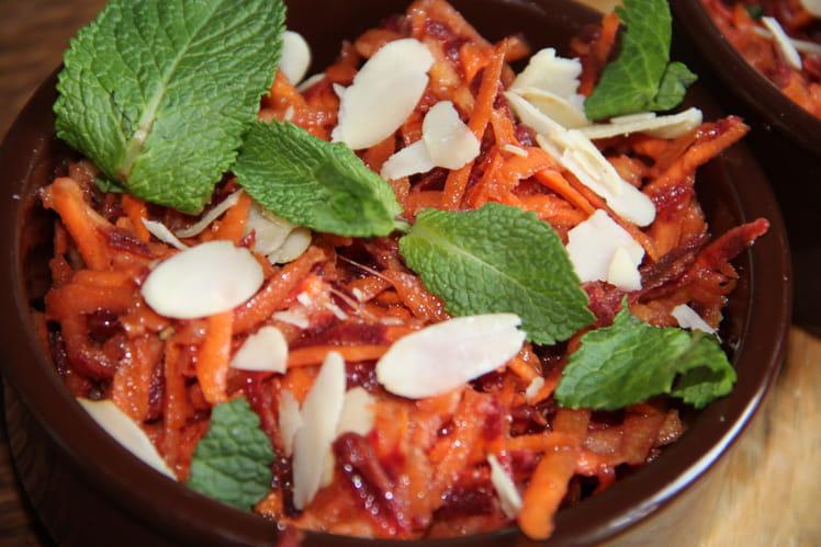 Salade de carottes oranges et pourpres à la pomme verte