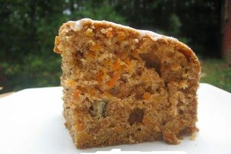 Gâteau aux carottes, noix et rhum