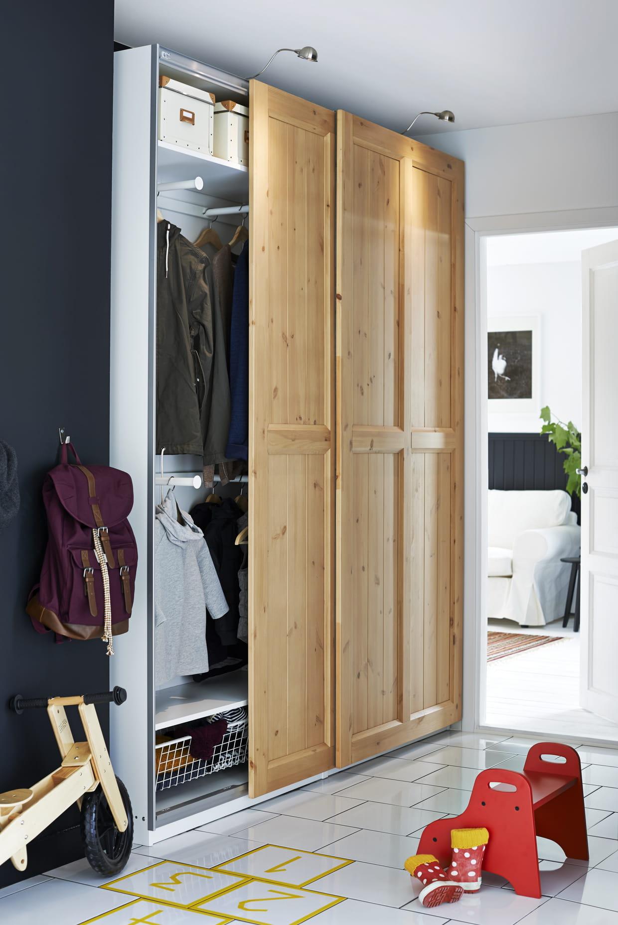 Dressing IKEA à portes coulissantes