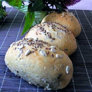 petits pains aux céréales et à l'huile d'olive