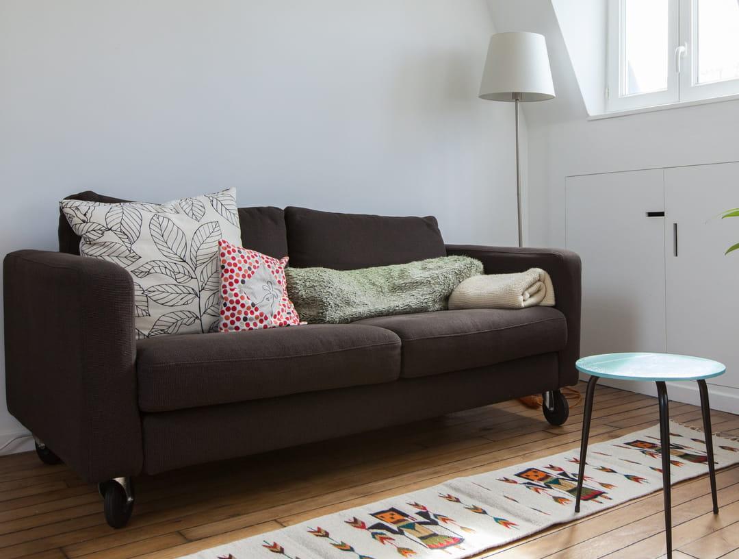 Changer La Couleur D Un Canapé En Cuir 16 idées chic et pas chères pour relooker son canapé et le