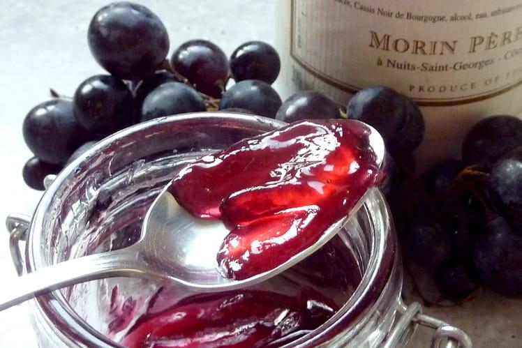 Gelée de raisin à la crème de cassis