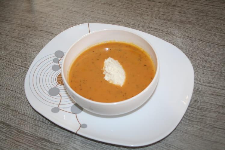 Crème de carottes aux patates douces et sa quenelle