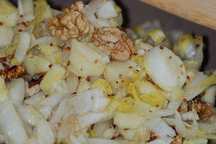 Salade d'endives, pommes et noix