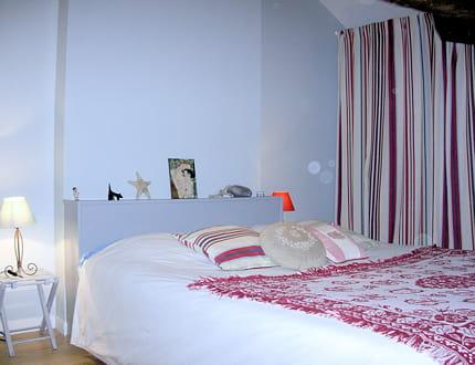une chambre en bayad re. Black Bedroom Furniture Sets. Home Design Ideas