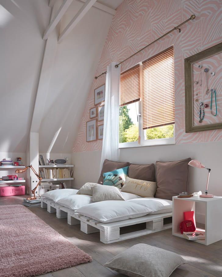 papier peint vinyle sur intiss effet peau de z bre rose chez castorama papier peint pour ado. Black Bedroom Furniture Sets. Home Design Ideas