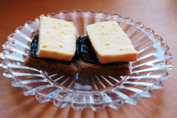 Toasts au Herve et au sirop de Liège