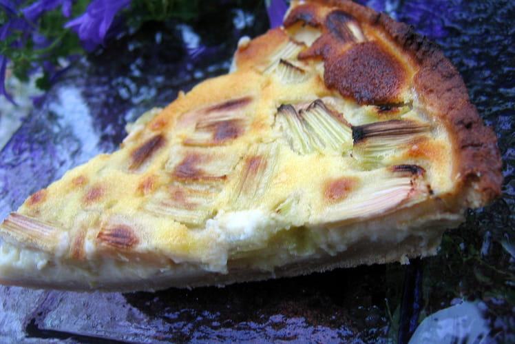 Tarte à la rhubarbe, fromage blanc et crème fraîche