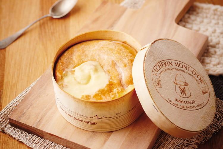 Vacherin Mont d'Or AOP rôti dans sa boîte : la meilleure recette