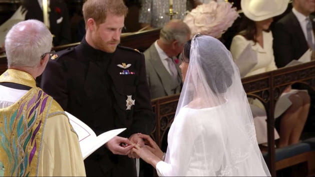 Meghan et Harry se passent la bague au doigt