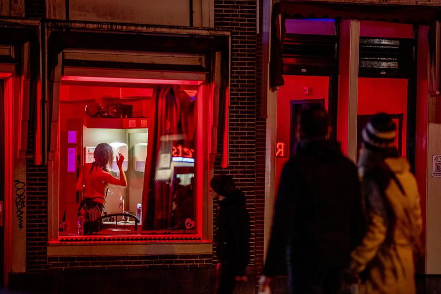 Amsterdam: vers la fin des femmes en vitrine du Quartier rouge?