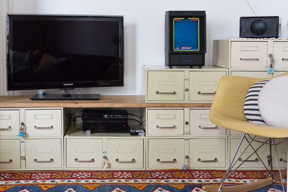 Des casiers pour un meuble de télé