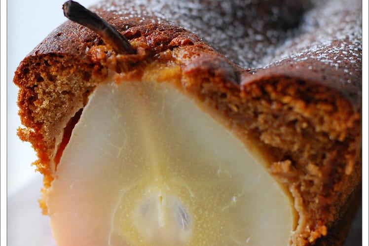 Moelleux au chocolat praliné et poires entières