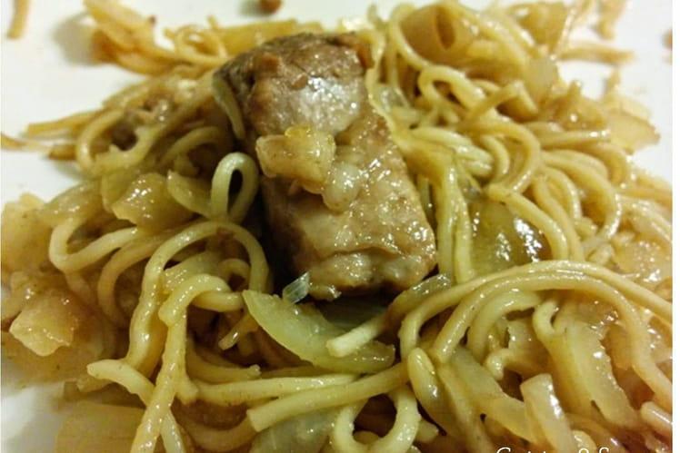 Filet mignon au soja et nouilles chinoises