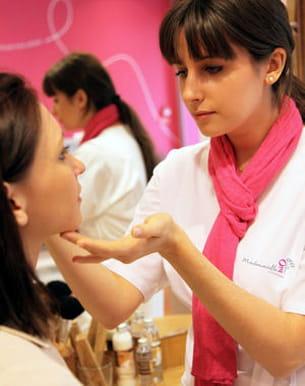 maquillage personnalisé de mademoiselle bio