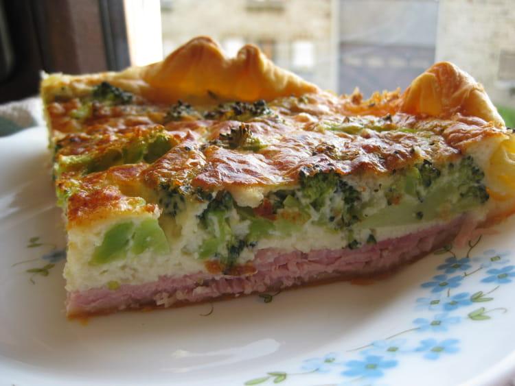 Recette de quiche aux brocolis et jambon la recette facile - Cuisiner brocolis surgeles ...
