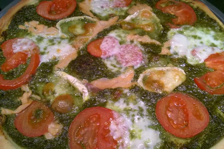 Pizza pesto d'oseille, saumon et chèvre