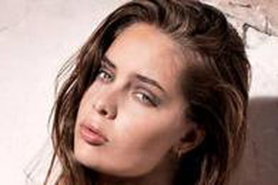 Marie-Ange Casta, égérie de charme pour Reebok
