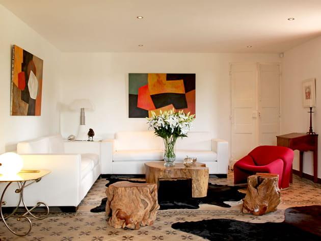 couleurs chaudes au salon. Black Bedroom Furniture Sets. Home Design Ideas