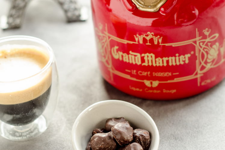 Fruits secs au Grand Marnier, enrobage chocolat