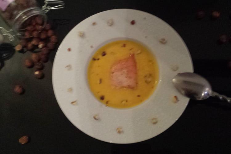 Soupe de potimarron et saumon aux noisettes