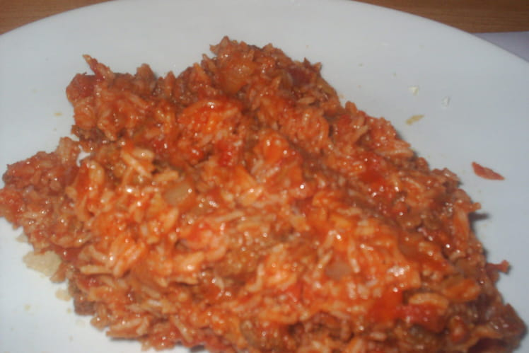 Riz à la tomate et viande hachée