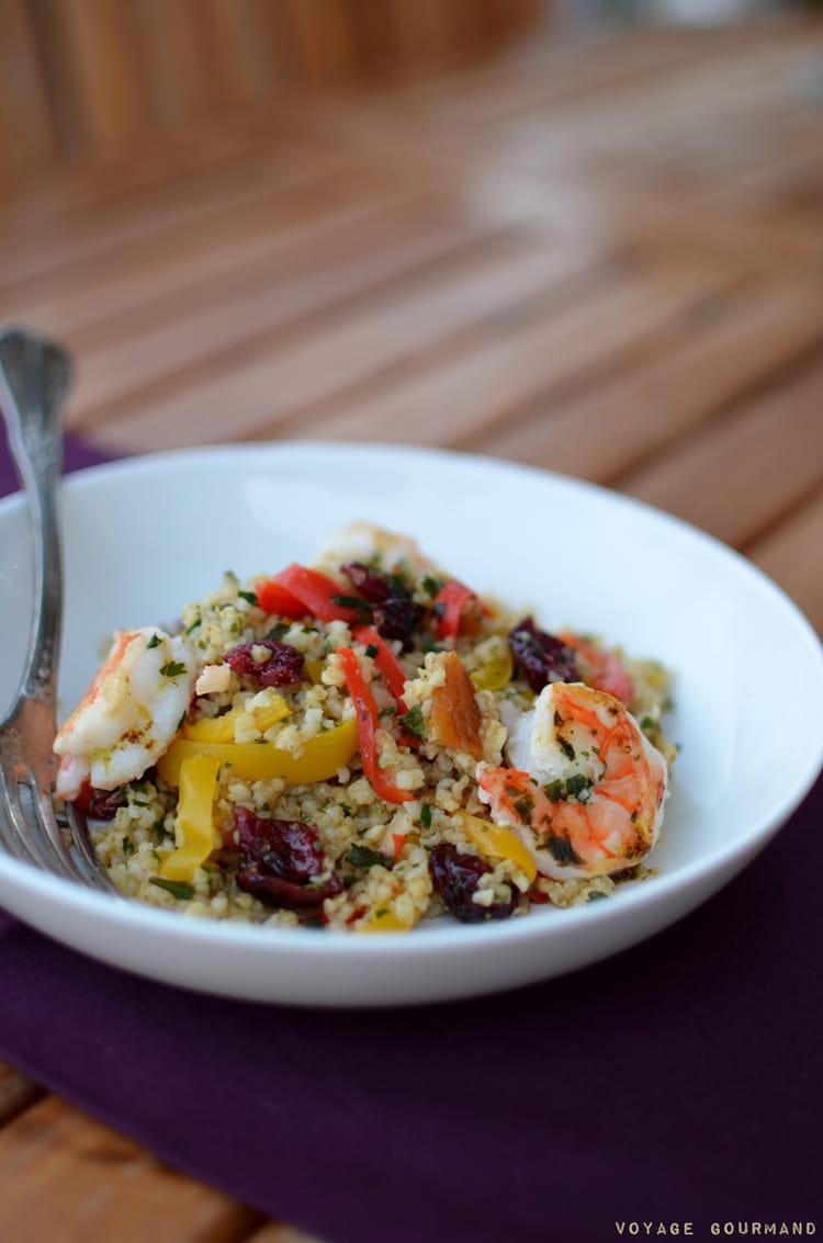 recette de salade de boulgour aux crevettes fruits secs et poivrons doux la recette facile. Black Bedroom Furniture Sets. Home Design Ideas