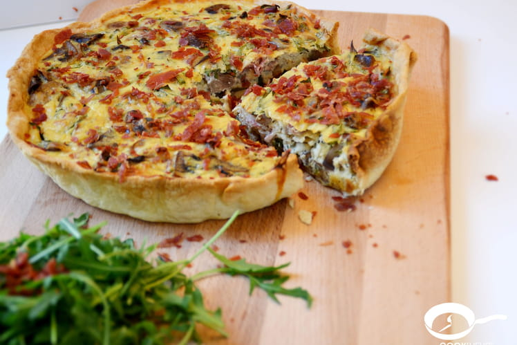 Tarte aux champignons, roquette et jambon italien